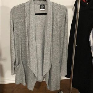 Super soft gray cardigan with pockets